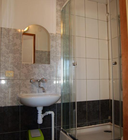 Pokój 3 os. z łazienką tv możliwość przystawki