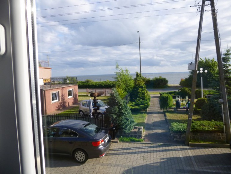 maly park przed domem