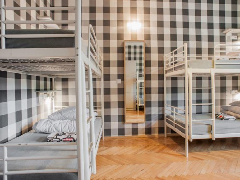 Pokój sześcioosobowy z łazienką