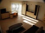 brązowy pokój