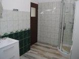 łazienka przy pokoju delux