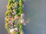 Dom nad jeziorem Kalwa z własną linią brzegową
