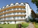 Hotel od strony Jeziora Czos
