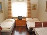 Pokój 2-3 osobowy z łazienką/w budynku JAGA/
