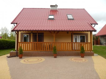 Domki murowane z tarasami i apartamenty