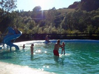 Domki Matiaszówka. Kąpielisko ze zjeżdżalnią wodną