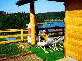 Dobra Miejscówka Domki i pokoje 40 m od jeziora