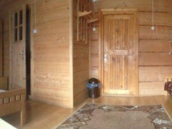 Dom Góralski drewniany u Beaty