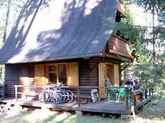 Domek nad jeziorem Gim