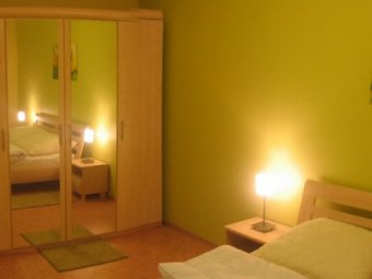 Sea Apartament - Yellow & Green