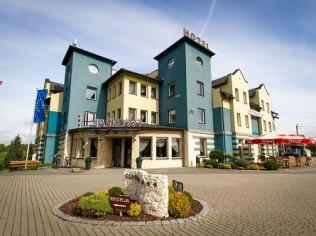 May BANK HOLIDAY WEEKEND IN HOTEL SAND *** IN PSZCZYNA - Hotel Piaskowy *** Restauracja Kameralna