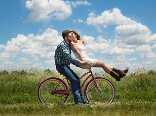 For two - romantically - Dom Tu i Teraz