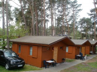 domek 2-pokojowy z kuchnią i łazienką.