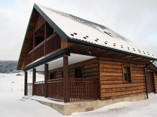 Cottage in the mountains with a fireplace - Domki Na Wzgórzu