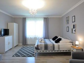Lu Apartments